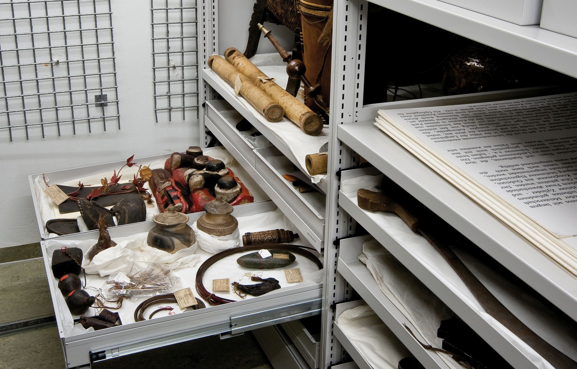 Objects from Borneo collected by the Ernst Friedrich Will in the Indonesia section of the store at the Five Continents Museum in Munich (Image: Marietta Weidner/Five Continents Museum)