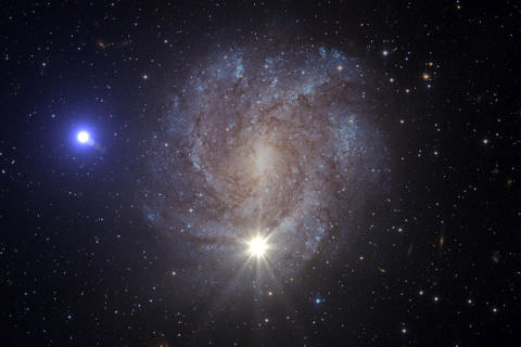 Since the occurrence of a thermonuclear supernova, the fastest star in the Milky Way – known as US 708 – has been moving at such a speed that it will leave our galaxy. Illustration: ESA/Hubble, NASA and Stephan Geier