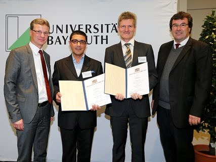 From left to right: State secretary Bernd Sibler presented Dr. Salah Ata Fakhry and Prof. Dr. Thomas Eberle with the award for good teaching. Prof. Dr. Rainer Trinczek also attended the ceremony. (Photo: StMBW/Peter Kolb)