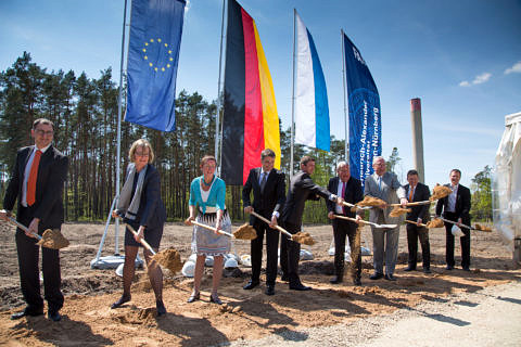Groundbreaking ceremony for new research centre building. (Image: FAU/Erich Malter)