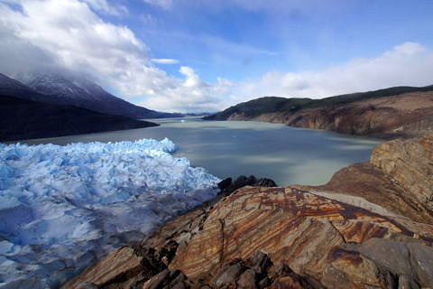 The Grey Glacier is located in the Southern Patagonian Ice Field in Chile. When such outlet glaciers shrink, they first have to form a new stable front. (Image: FAU/Matthias Braun)