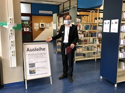 "Towards entry ""How the University Library is tackling the impact of the coronavirus pandemic."""
